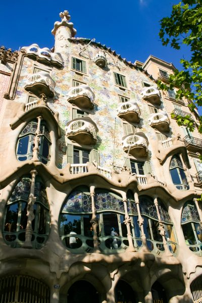 Discover Gaudi : a game for children